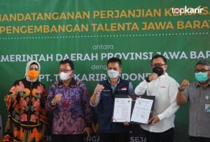Kolaborasi Jabar-Top Karir Indonesia untuk Tingkatkan Kapasitas dan Keterampilan Tenaga Kerja Muda   TopKarir.com